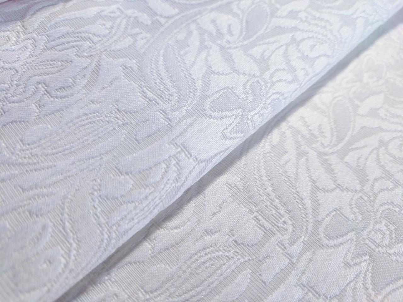 Жаккард коттоновый крупный орнамент, молочный