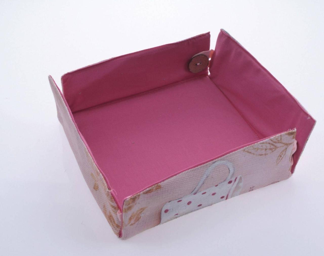 Декоративная коробка 20*20 фирмы  PAVIA