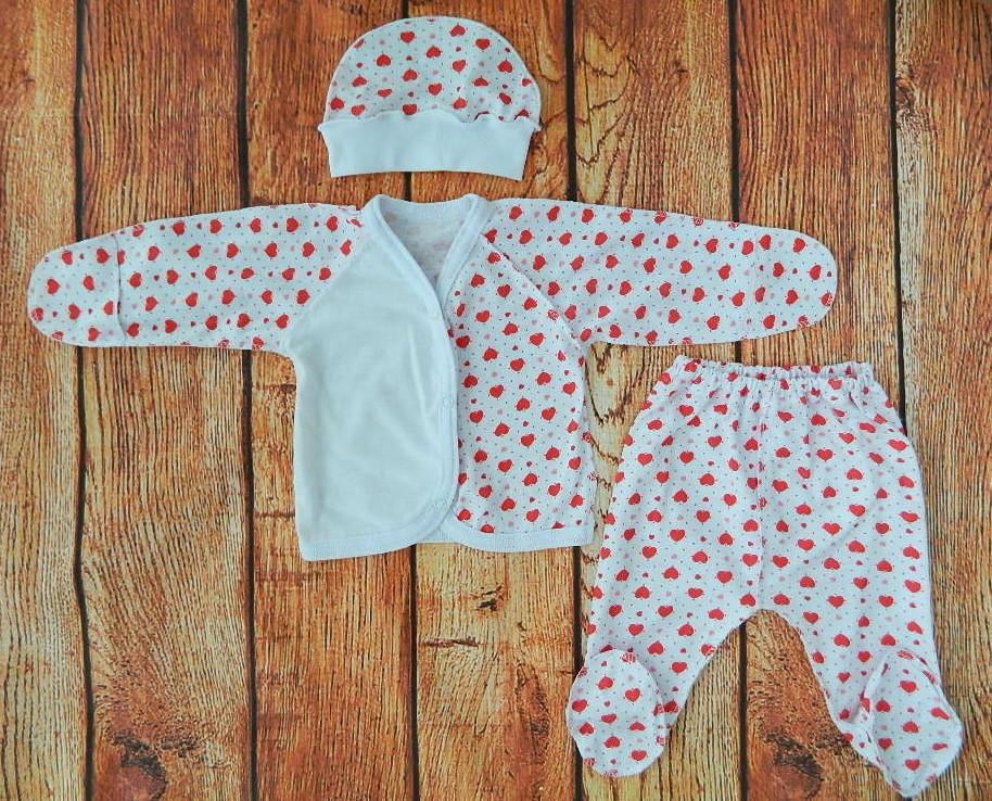 Комплект на выписку для новорожденной девочки Красные сердечки