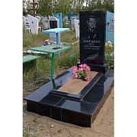 Гранитный прямоугольный памятник 100*50*8 с цветником