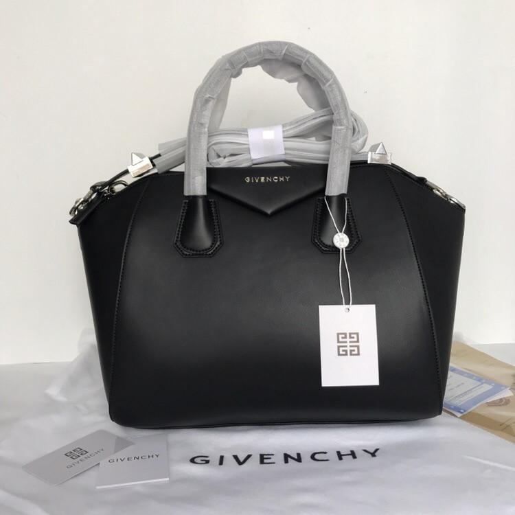 539978863174 Сумка Живанши Givenchy Antigona 32 см натуральная кожа, цвет черный,  фурнитура серебро