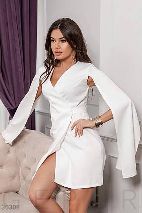 Стильное платье мини на запах длинный рукав широкий с разрезом костюмная ткань белое, фото 2