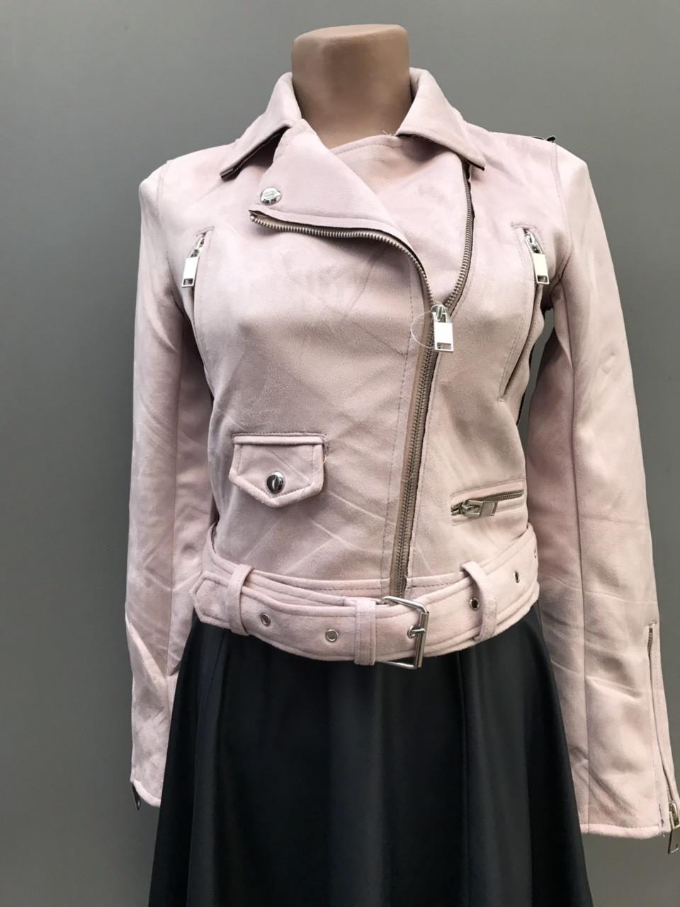 Красива жіноча демісезонна куртка з замша.