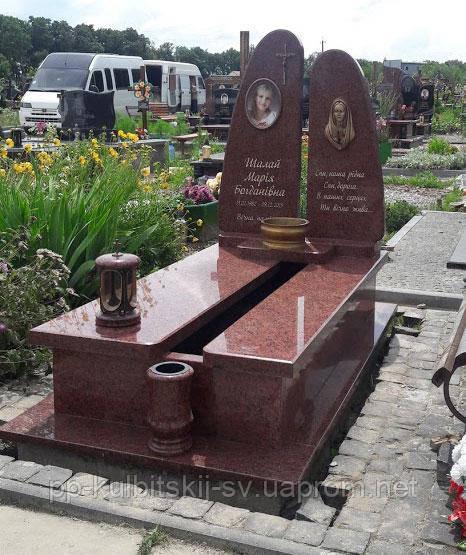 Пам'ятник одинарний з червоного граніту L815