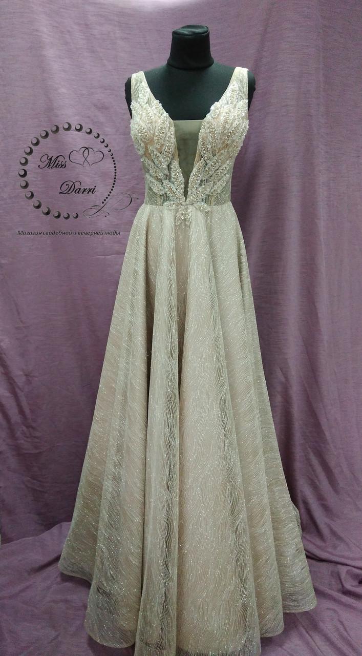 Блестящее вечернее платье/выпускное платье в цвете нюд с золотым