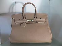 e6641bc23447 Женская кожаная сумка Valentino Garavani Rockstud Spike medium Цвет ...