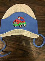 Детская шапка с машинкой для мальчика