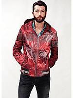 Красная мужская ветровка с капюшеном