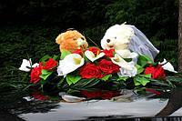 Свадебное украшение на авто мишки с цветами - для украшения машины молодых