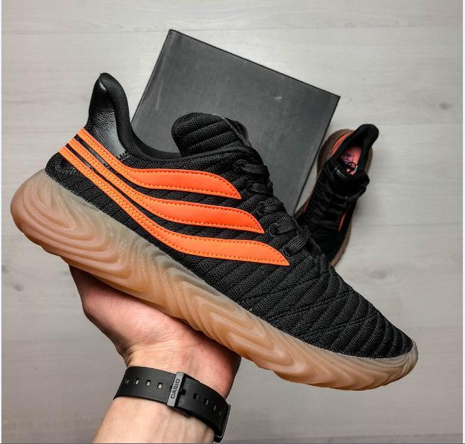 Кроссовки мужские черные с оранжевыми полосками Adidas топ-реплика