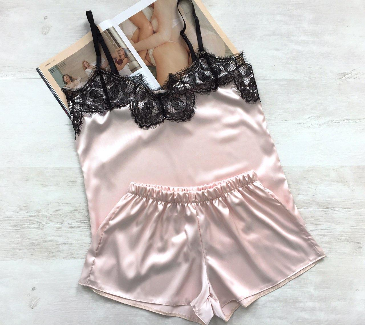 Женская атласная пижама светлая пудра 016