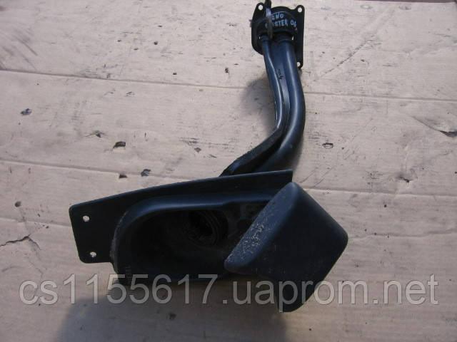 Горловина топливного бака на Renault Master 2003-2010 год