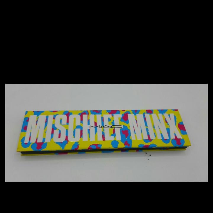 Палетка теней для глаз M.A.C Mischief Minx