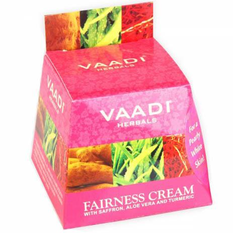 Очищающий крем для лица с экстрактами шафрана, алоэ вера и кукурмы, 30 г