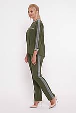 Брючний костюм для повних дівчат Вірджинія оливка, фото 3