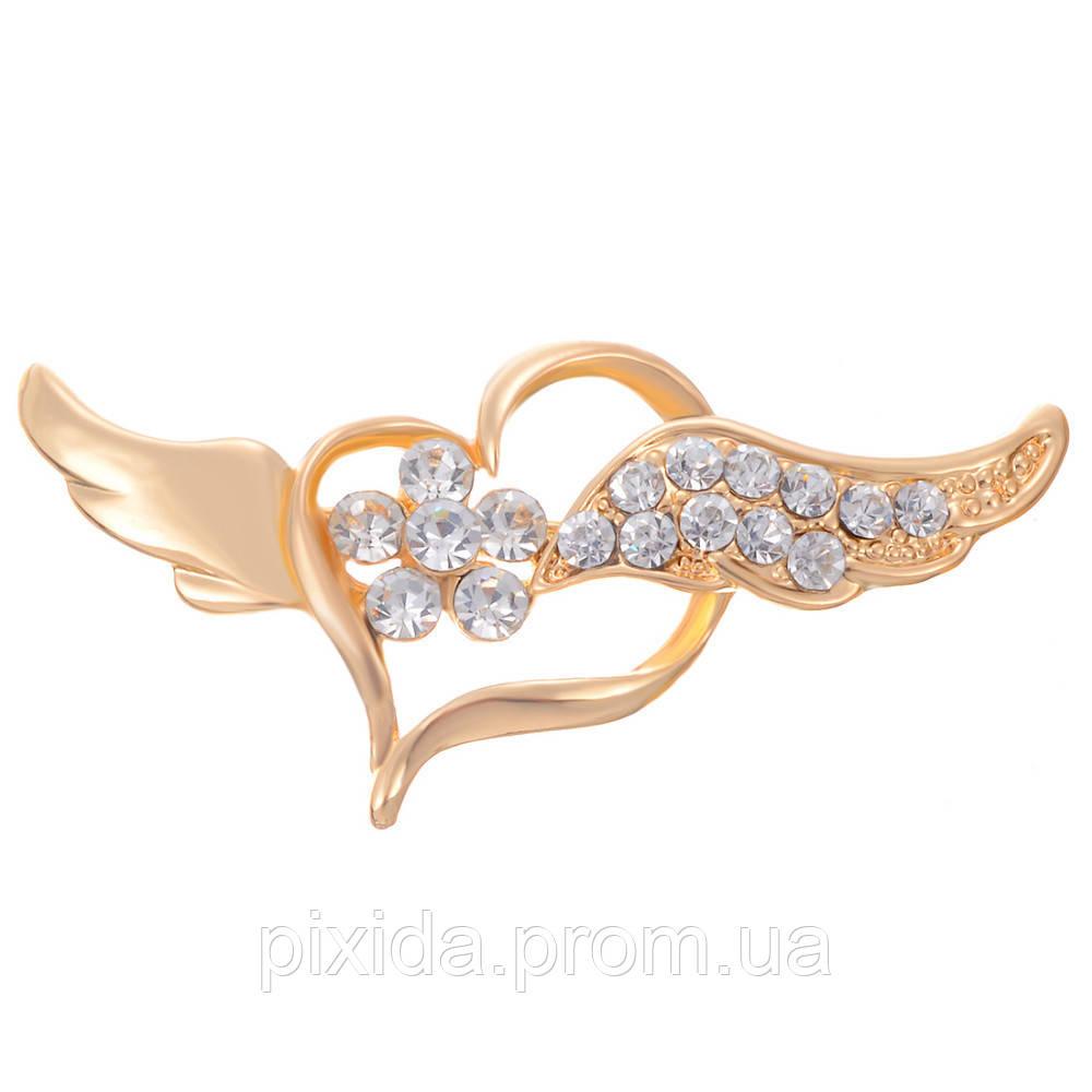 Брошь сердечко с крылышками фианиты позолота