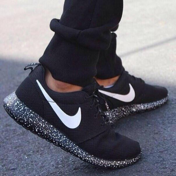 d83111cbe3ff Мужские и женские летние кроссовки Nike Roshe Run - Магазин Nike-Shop.  Брендовая спортивная