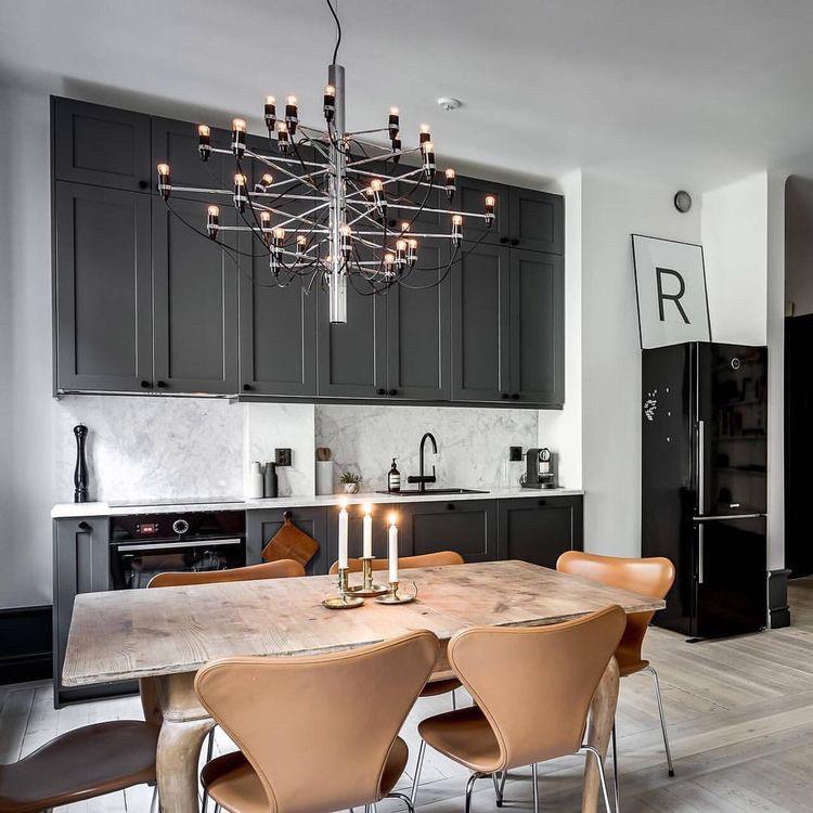 Кухня в стилі сучасна класика графітовий колір