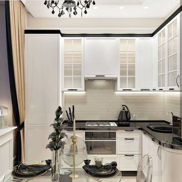 Кухня в стиле современная классика белые фасады черная столешница