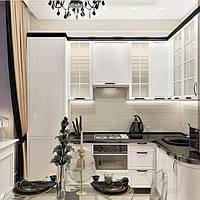 Кухня в стиле современная классика белые фасады черная столешница, фото 1