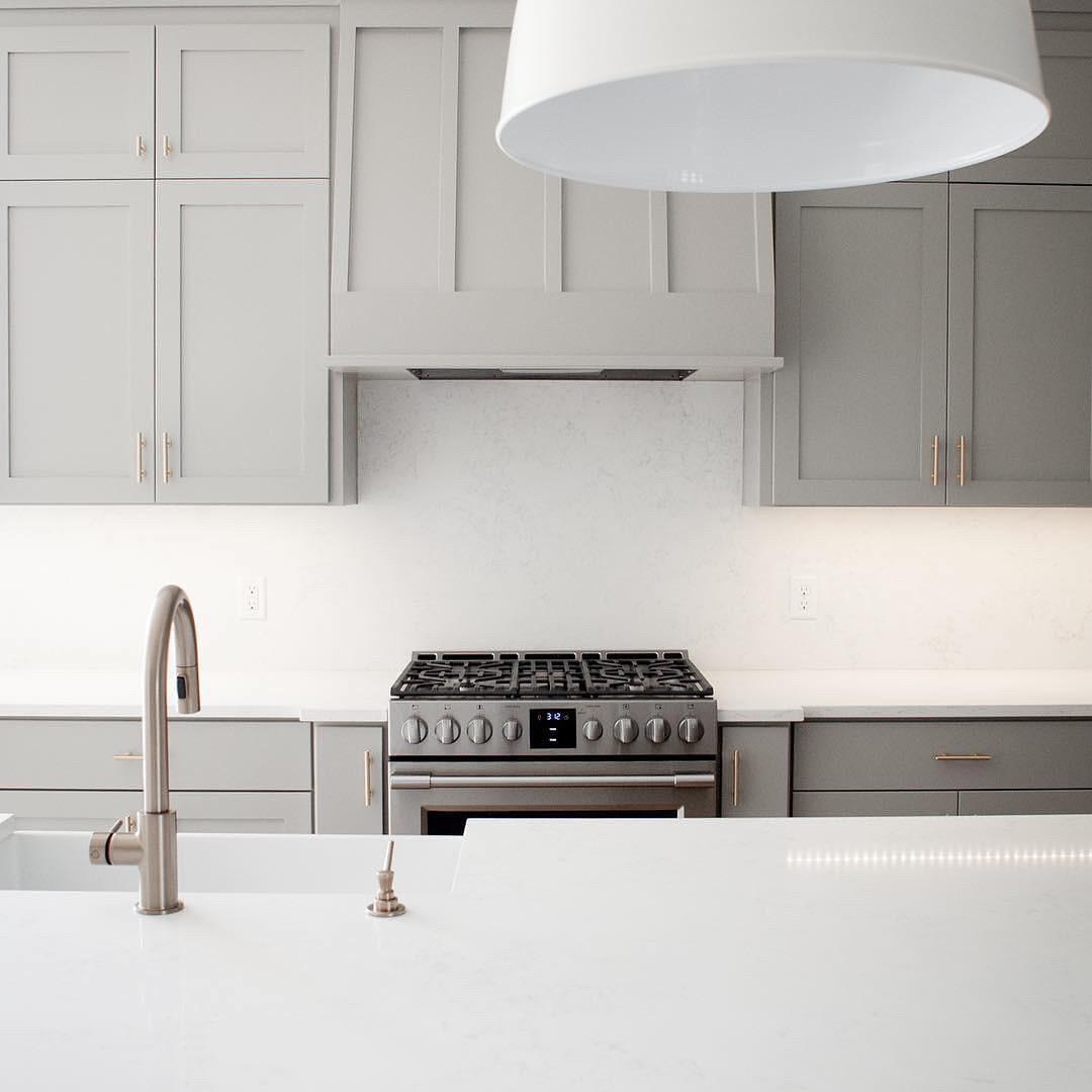 Кухня в стиле современная классика изготовление по индивидуальным проектам