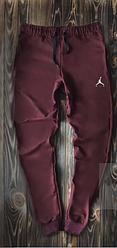 Чоловічі спортивні штани Jordan бордового кольору топ-репліка
