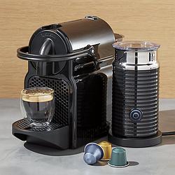 Кофемашина капсульная Nespresso Inissia Black + Капучинатор Nespresso Aeroccino 3