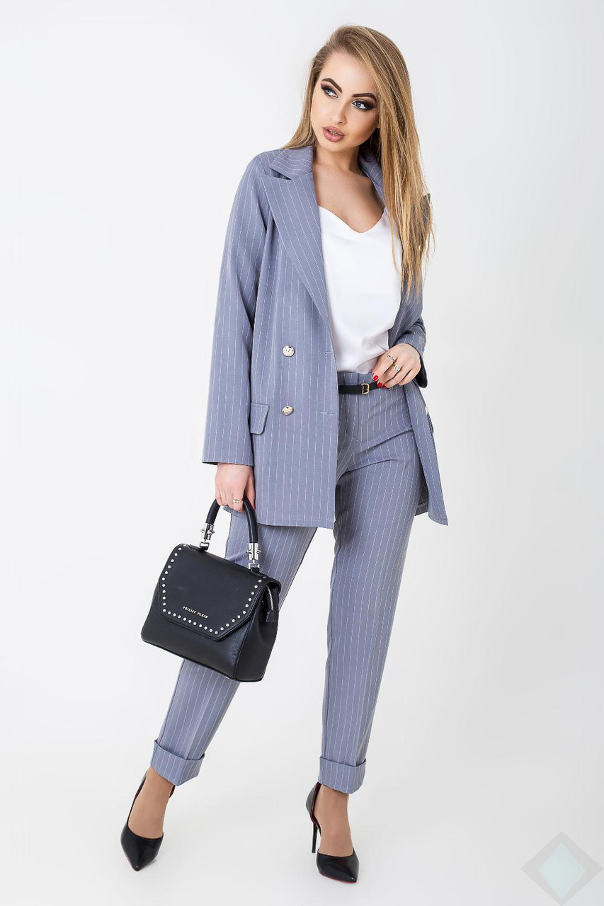 Строгий костюм для деловых встреч в полоску с 42 по 48 размеры