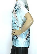 Футболка жіноча великого розміру з яскравим принтом, фото 2