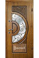 Двери входные  уличные  АРМА 223 . Входные двери для частного дома. Входная дверь с ковкой и стеклом