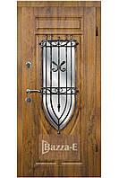 Двери входные наружные с ковкой и стеклом АРМА 228. Входные двери для частного дома