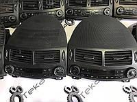 Вентиляционная решетка салона средняя рестайлинг Mercedes e-class w211 , фото 1