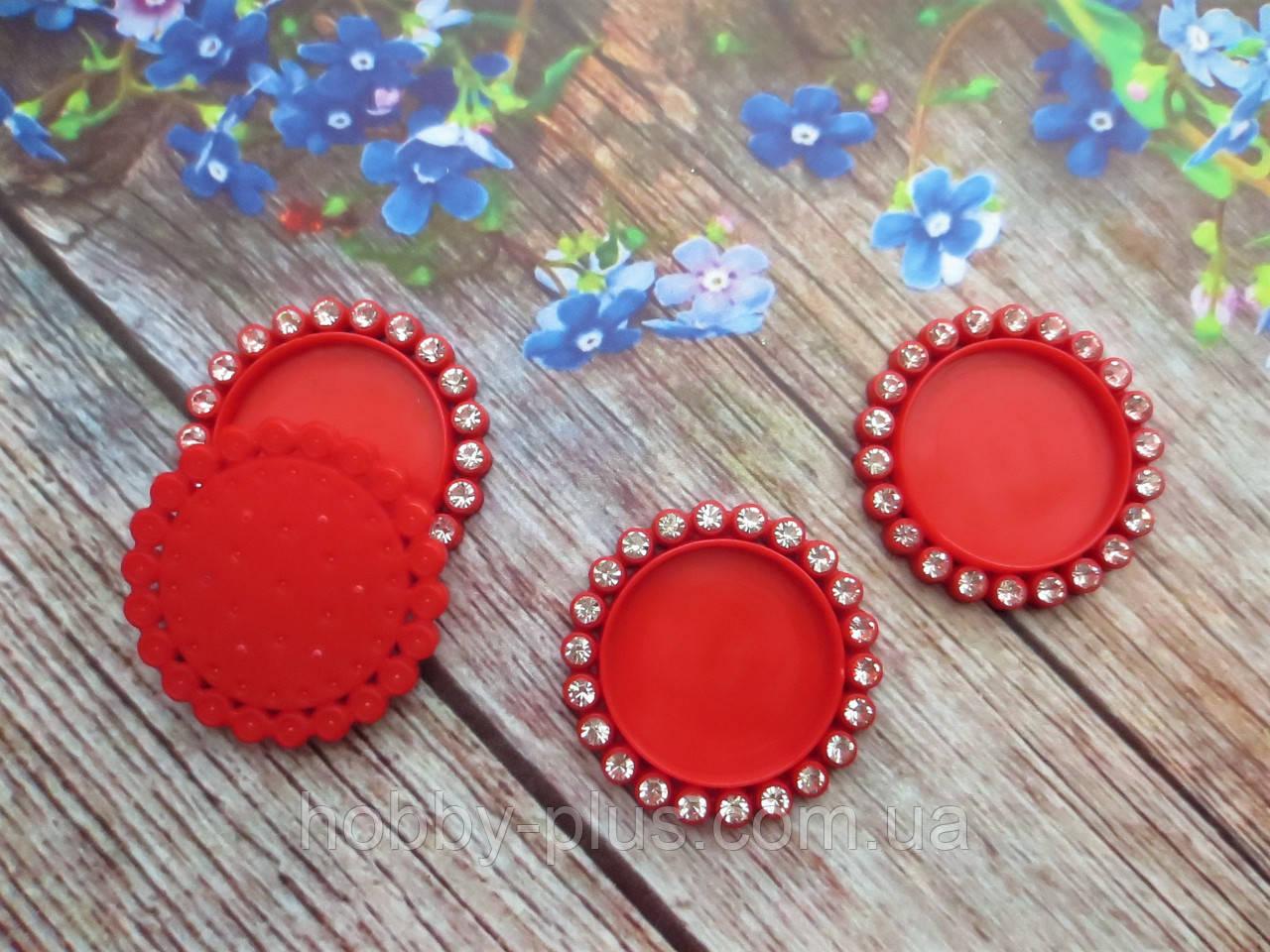 Основа пластиковая (крышечка) для серединки бантика в стразовой оправе, 33/25 мм, цвет красный