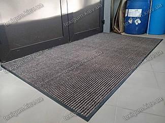 Грязезащитный ворсовый ковер на резиновой основе при входе в помещение 36