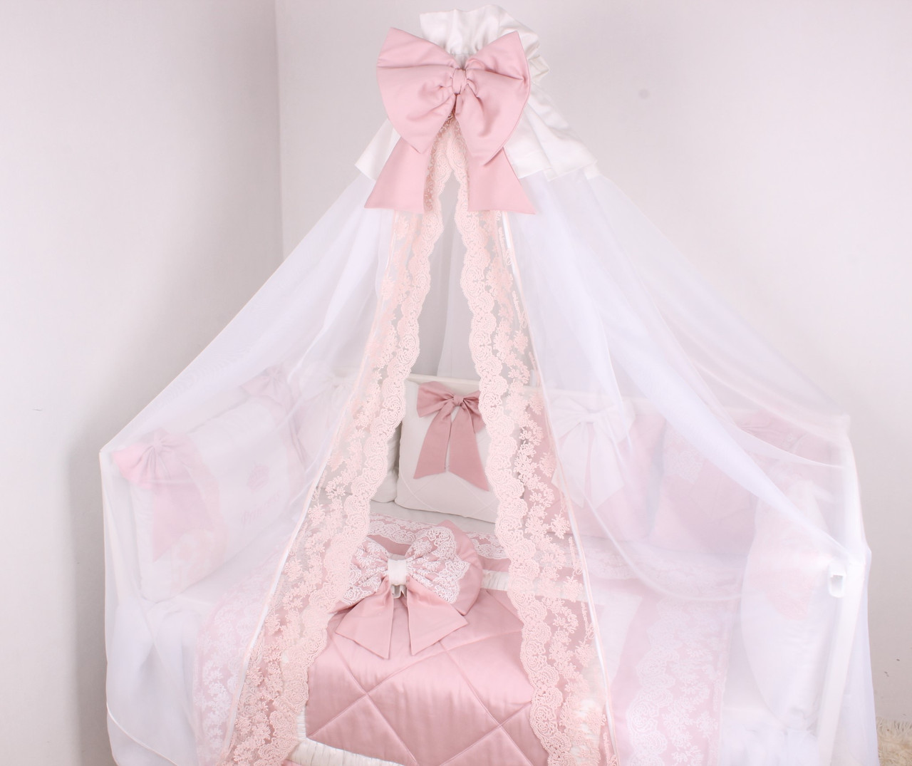 Сатиновый  Королевский комплект  для новорожденных