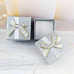 Подарочная коробочка с бантиком, серая