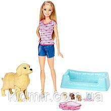 Лялька Барбі з собакою і новонародженими цуценятами Barbie Newborn Pups FDD43