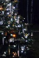 Новогоднее оформление елки, украшение высокой елки, стильные украшения