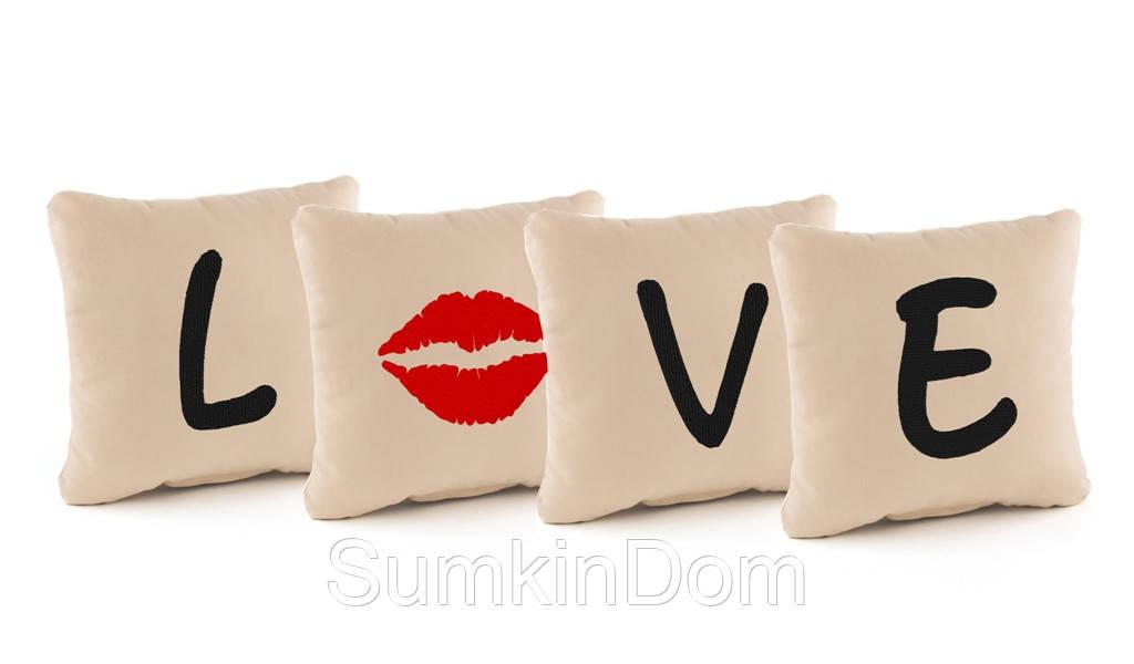 """Подарочные подушки с вышивкой """"L*ve"""" флок"""