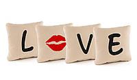 """Подарочные подушки с вышивкой """"L*ve"""" флок, фото 1"""