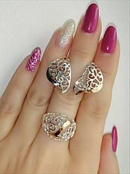 Серебряное кольцо и серьги - комплект украшений