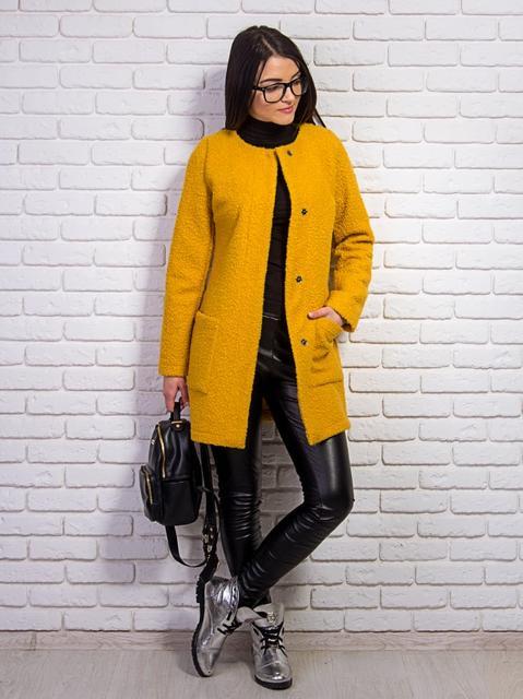 Куртки, пальто женские