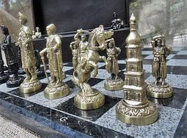 Эксклюзивный набор шахмат (доска из мрaмора, фигурки бронзовые)
