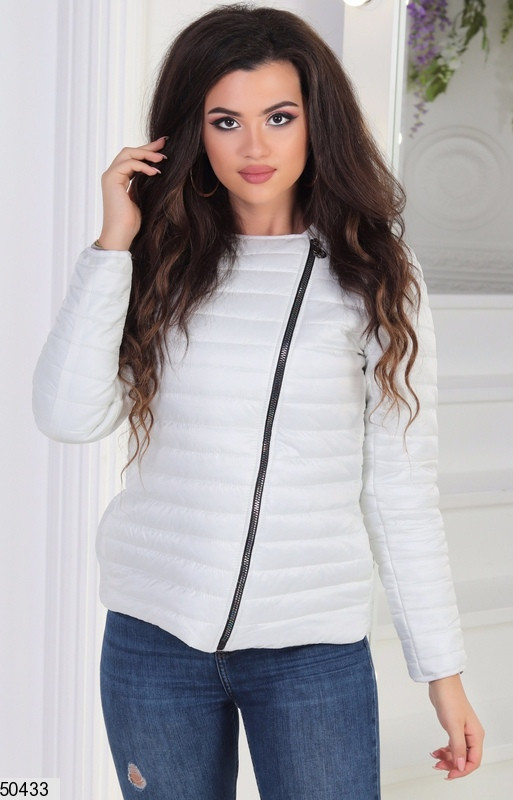 Короткая белая куртка весна плащевка теплая на молнии цвета в ассортименте 42-44-46