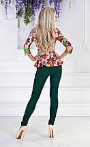 """Стильный брючный женский костюм """"Gibbs"""" с блузой в цветочек (2 цвета), фото 3"""