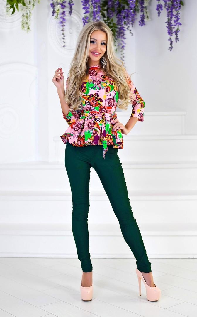 """Стильный брючный женский костюм """"Gibbs"""" с блузой в цветочек (2 цвета)"""