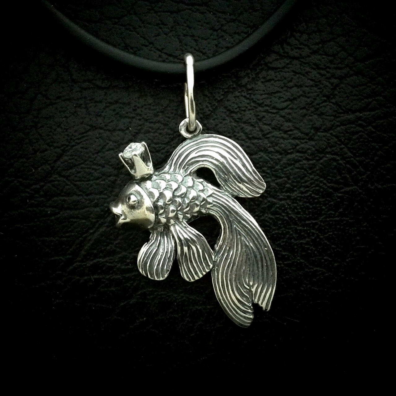 Серебряная подвеска Золотая рыбка