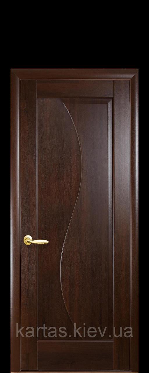 Дверное полотно Эскада Каштан глухое с гравировкой