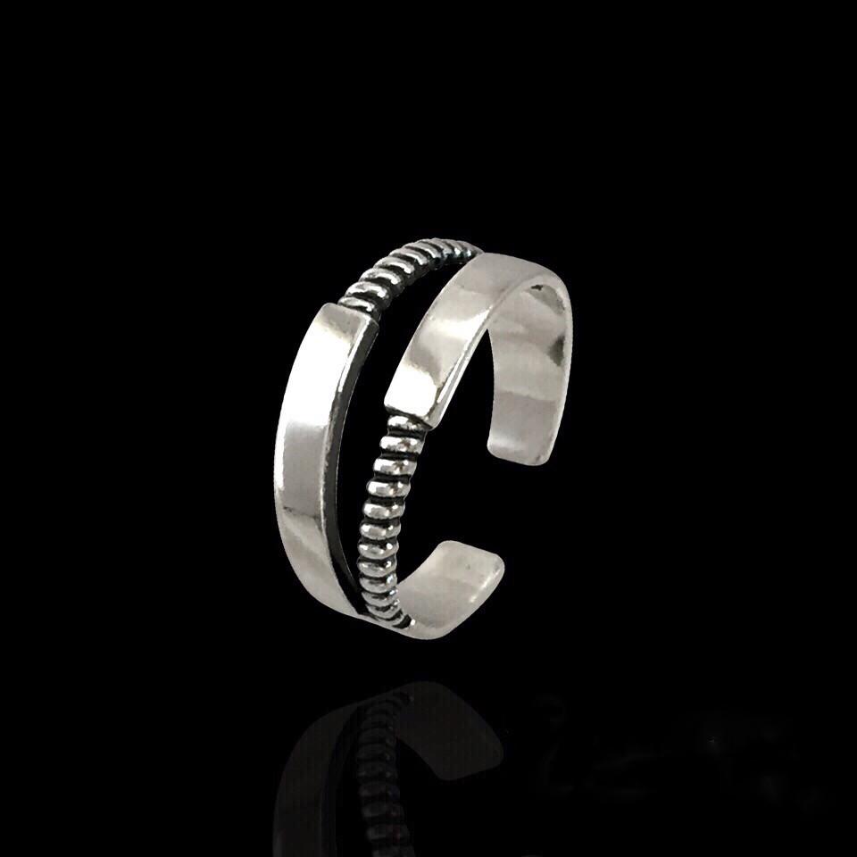 Безразмерное серебряное колечко