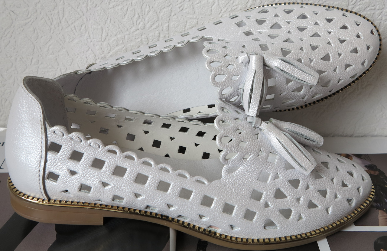 32b63ecb8ea6fb Стильні жіночі білі літні шкіряні балетки з перфорацією туфлі натуральна  шкіра літо весна репліка